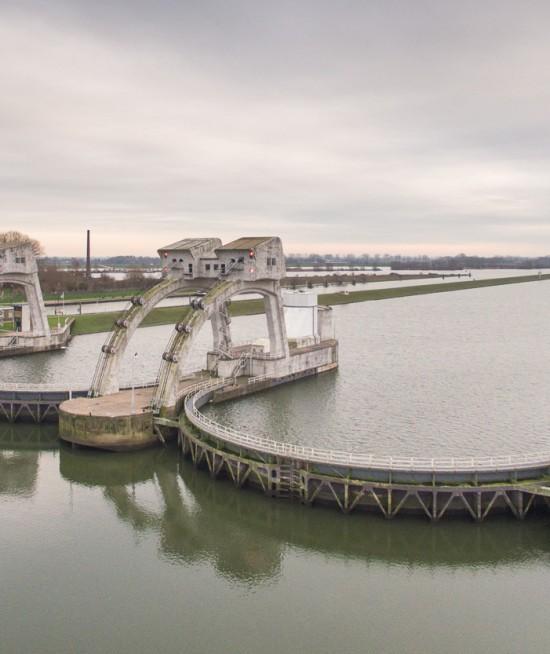 Stuw Hagestein - Stuwensemble Nederrijn en Lek - Waterkering
