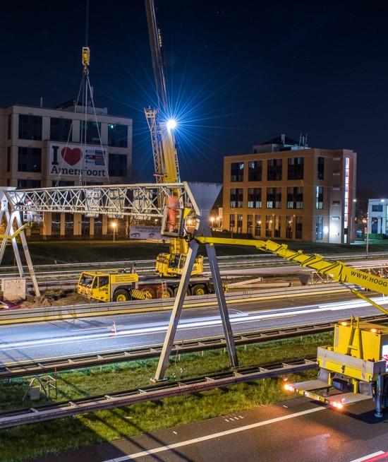 portalen, snelwegsignalering, werkzaamheden in de nacht