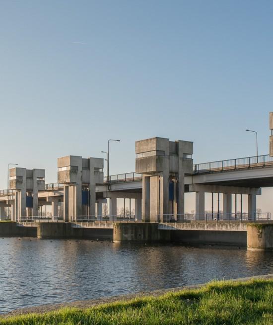 Nijkerker Sluis - Oostzijde, waterkering